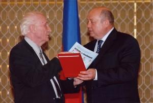 Награждение Семенова Е.И. государственной премией РФ в 2004 г.